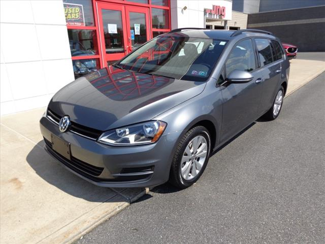 Pre-Owned 2017 Volkswagen Golf SportWagen TSI S 4Motion