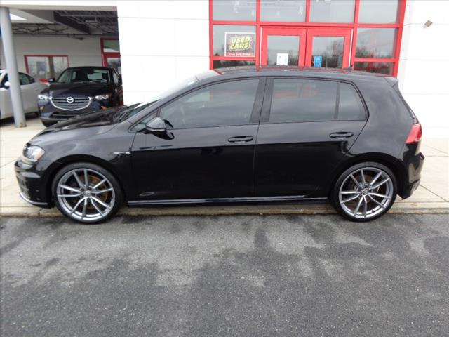 Pre-Owned 2017 Volkswagen Golf R Base